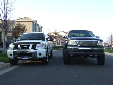 Nissan Titan SE Crew Cab 4X4 Blazzard - Compared to my F150